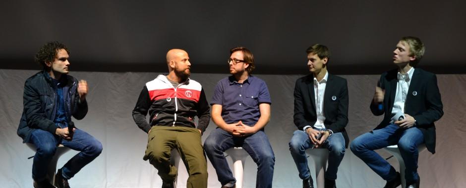 Filmemacher im Interview auf der Bühne